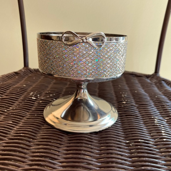 Bath and Body Works 3-wick bow candle holder
